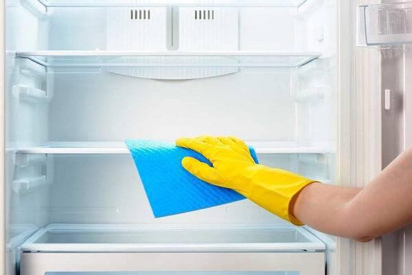 Como limpar a geladeira sem danificar sua estrutura