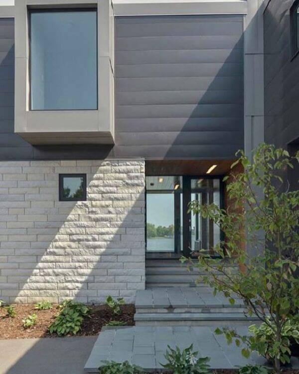Bela fachada com pedra miracema