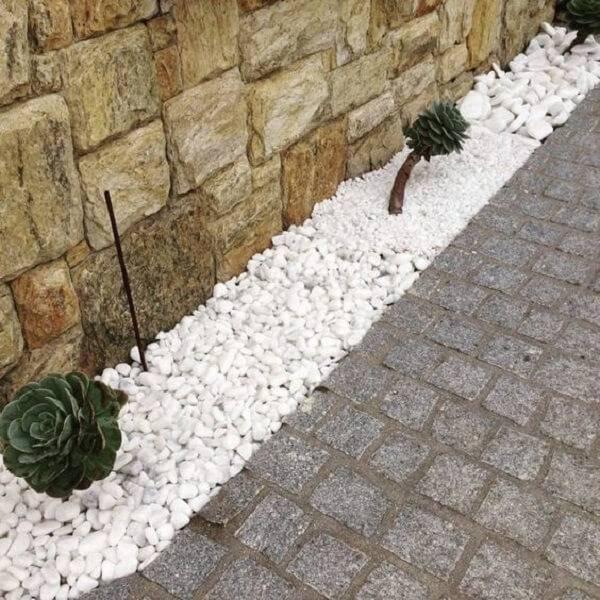 Mescle tonalidades na área externa utilizando pedra miracema