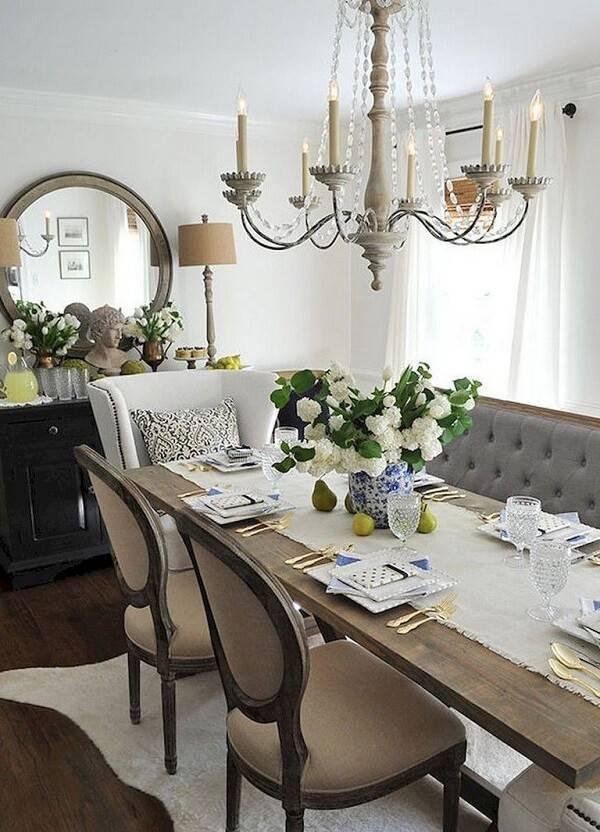 Decore a sala de jantar com cadeiras diferentes