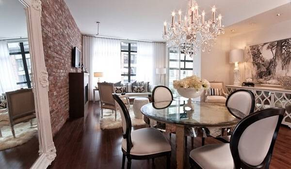 Cadeira medalhão e mesa redonda para sala de jantar