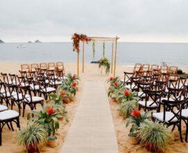 Cerimônia de casamento na praia. Fonte: Pinterest