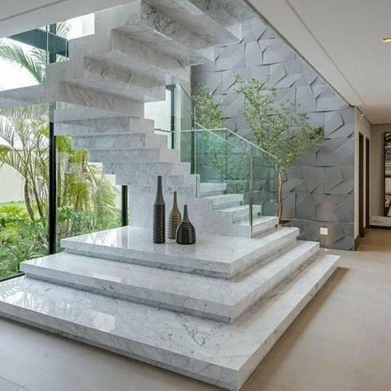 Escada de mármore - escada com degraus grandes