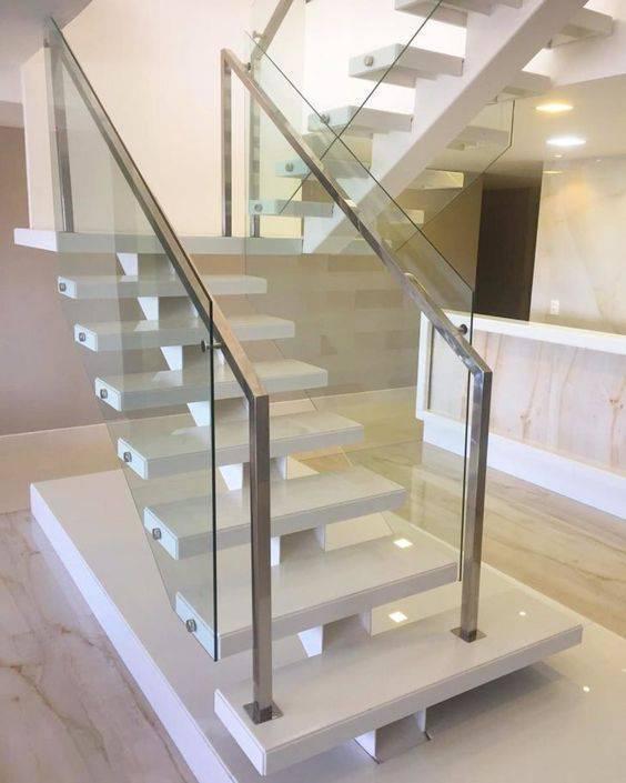 Escada de mármore - escada flutuante com corrimão de inox