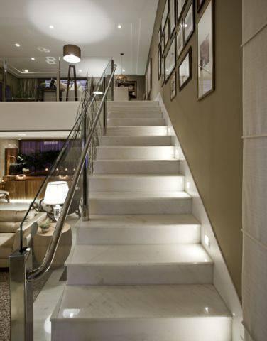 Escada de mármore - escada pequena com detalhes