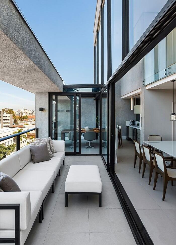 Escolha móveis para varanda com estofado resistente