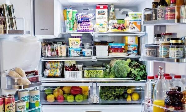 Descubra agora como evitar o mau cheiro da geladeira