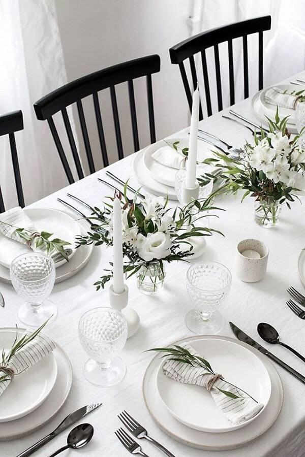 As velas sempre possuem um lugar de destaque na mesa