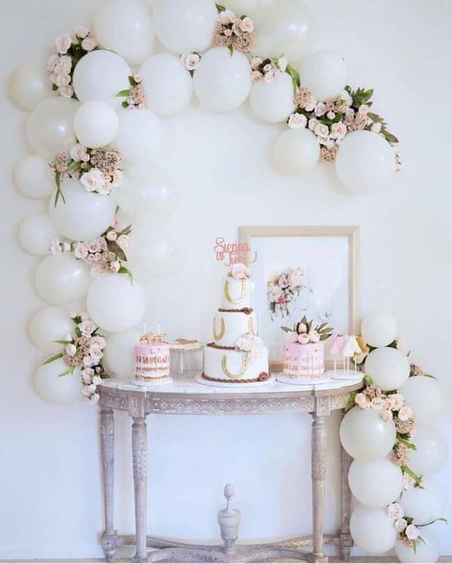 Festa em casa para aniversário de casamento