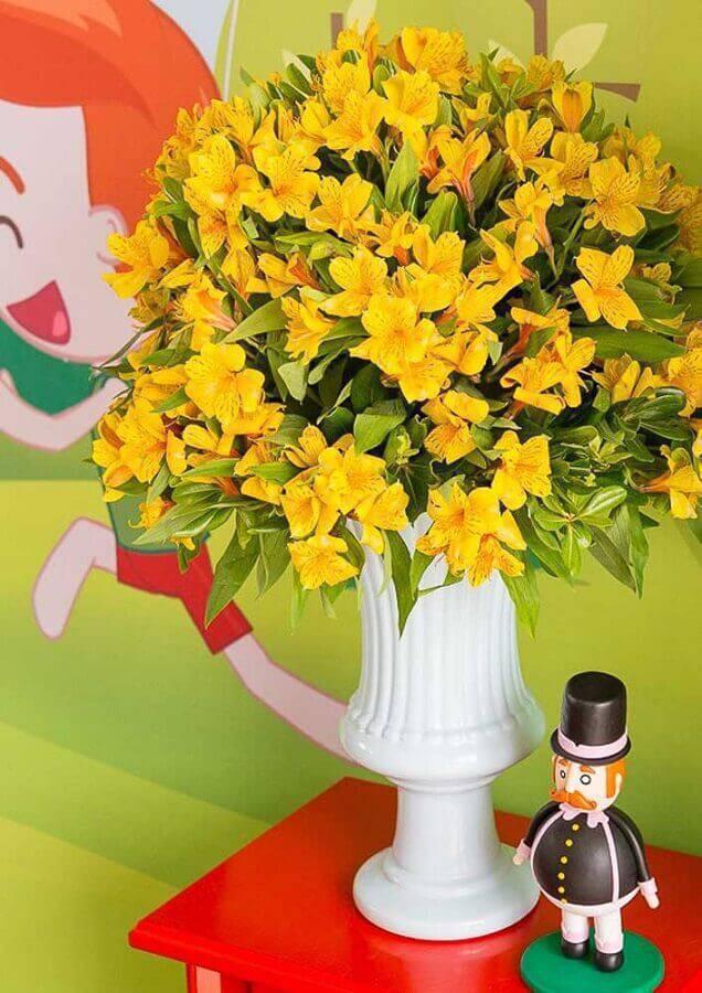 arranjo de flores amarelas para decoração festa mundo bita Foto Webcomunica