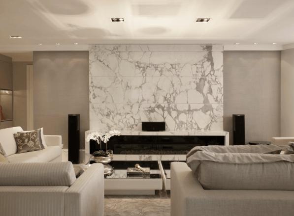Lareira da sala com mármore