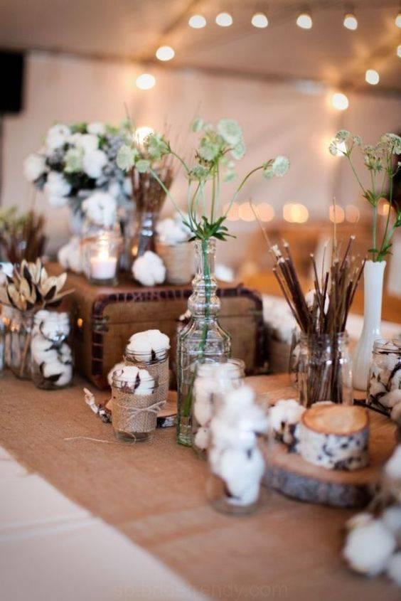 bodas de algodão - mesa com galhos e algodões