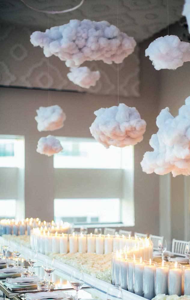 bodas de algodão - mesa de jantar com nuvens de algodão