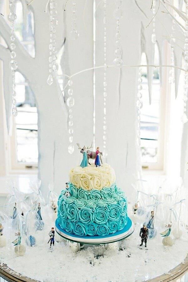 bolo da frozen de chantilly 2 andares Foto Hello Wonderfull