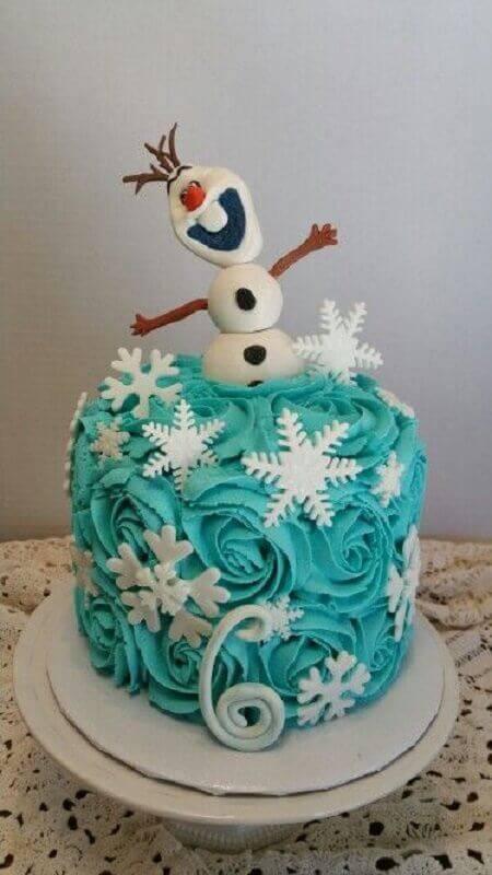 bolo da frozen de chantilly com olaf no topo Foto Pinterest