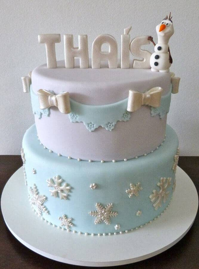 frozen birthday cake with american paste two floors Photo Toda Atual