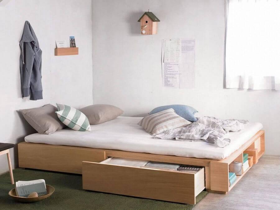 cama de madeira com gavetas embaixo Foto Revista Imob
