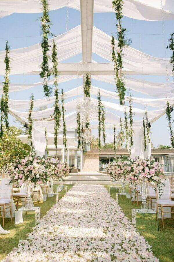 rose petal path to wedding ceremony Photo Best Wedding Invitations