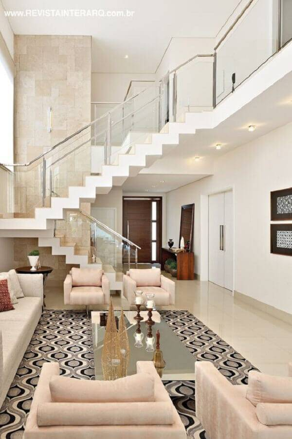 casa ampla toda branca com guarda corpo de alumínio e vidro Foto Boca do Lobo