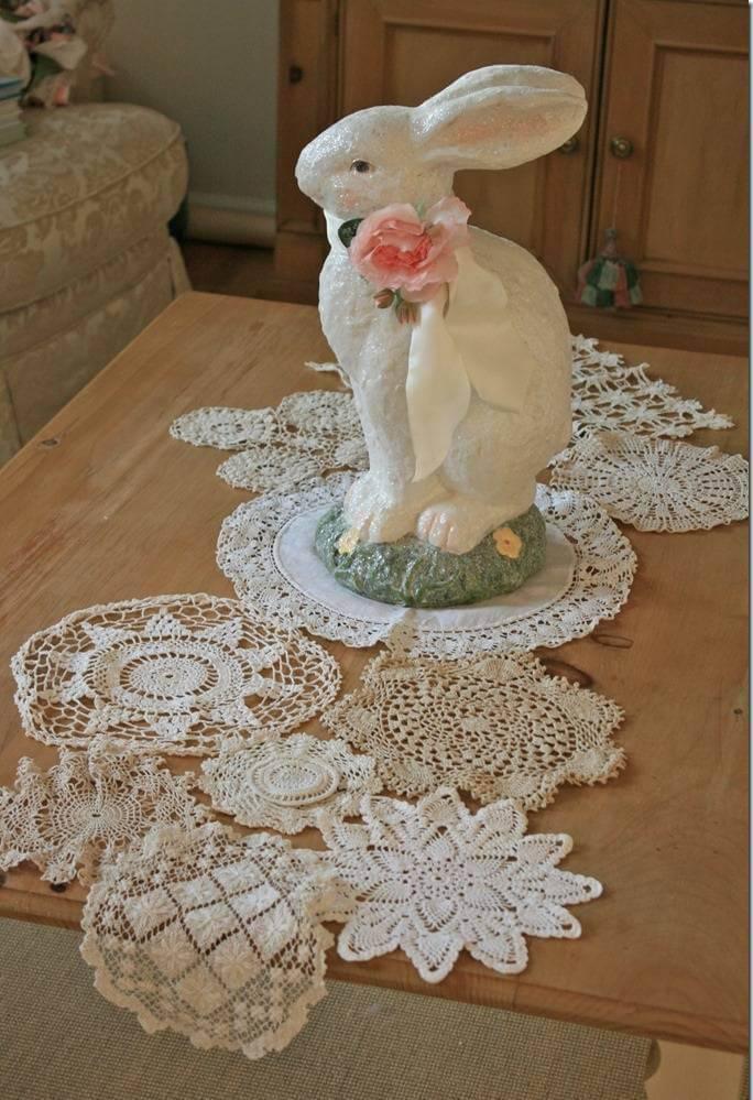 Centro de mesa em crochê com decoração