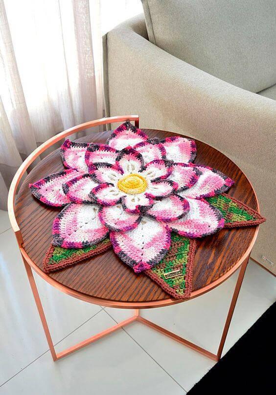 Centro de mesa em formato de flores