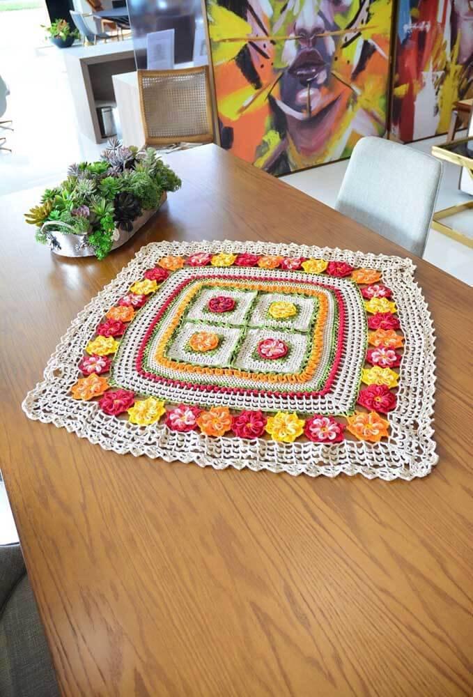 Centro de mesa quadrado e colorido