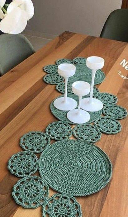 Centro de mesa de crochê comprido e criativo