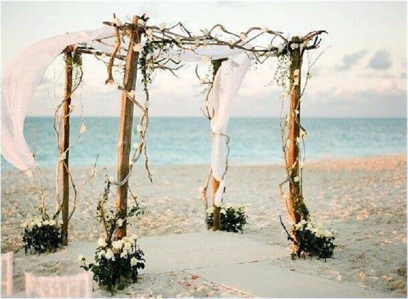 simple and rustic wedding ceremony Foto Pinterest