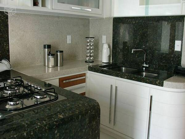 Mescle diferentes granitos na cozinha