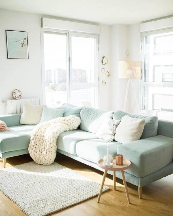 decoração clean para sala com sofá verde claro Foto SofiaParapluie