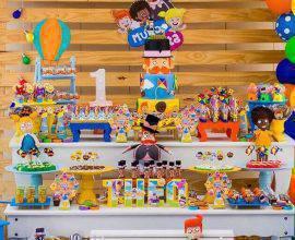 decoração colorida para festa infantil mundo bita Foto Pinterest