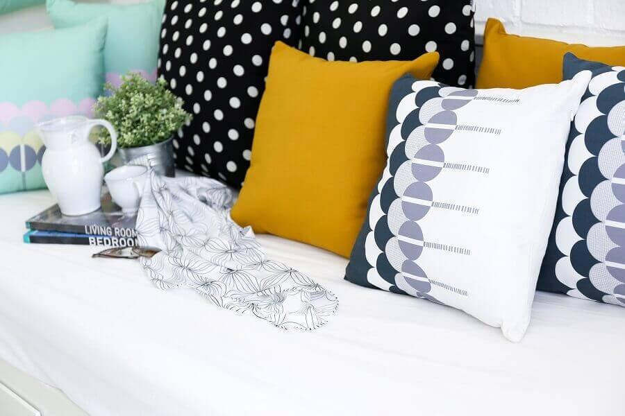 decoração com almofadas estampadas Foto Decostudio