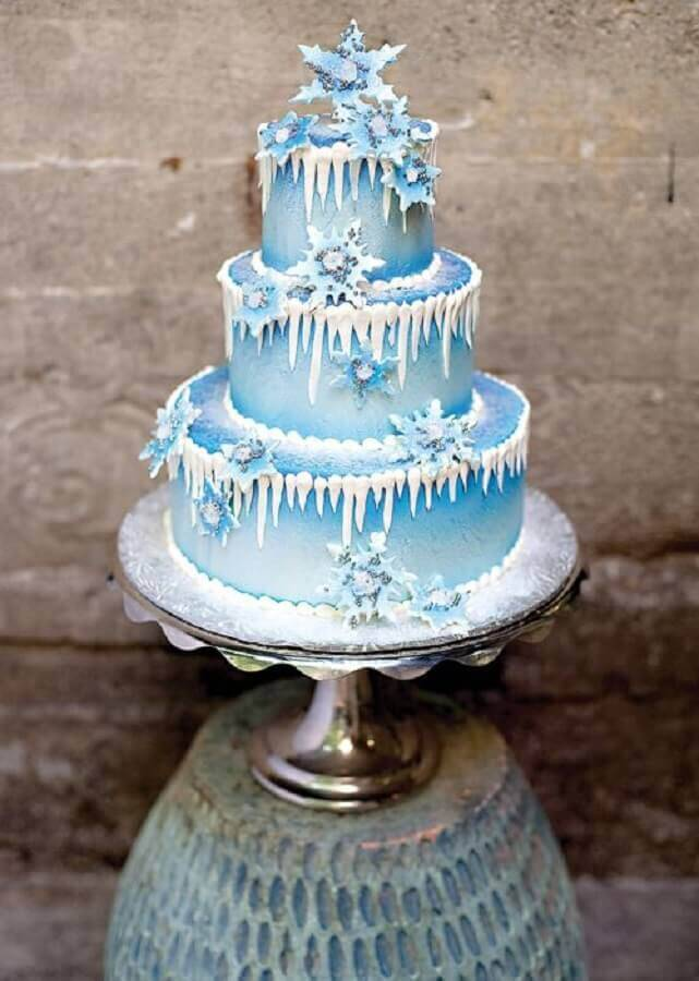 differnte decoration for frozen 3 floor cake Foto Pinterest