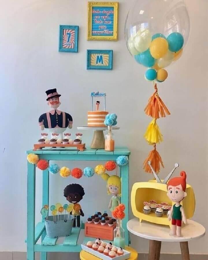 decoração festa mundo bita simples em tons pasteis Foto Pinosy