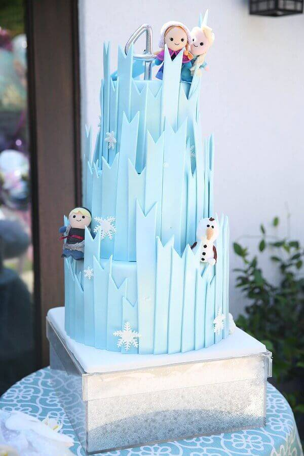 modern cake decoration from frozen Foto Pop Sugar