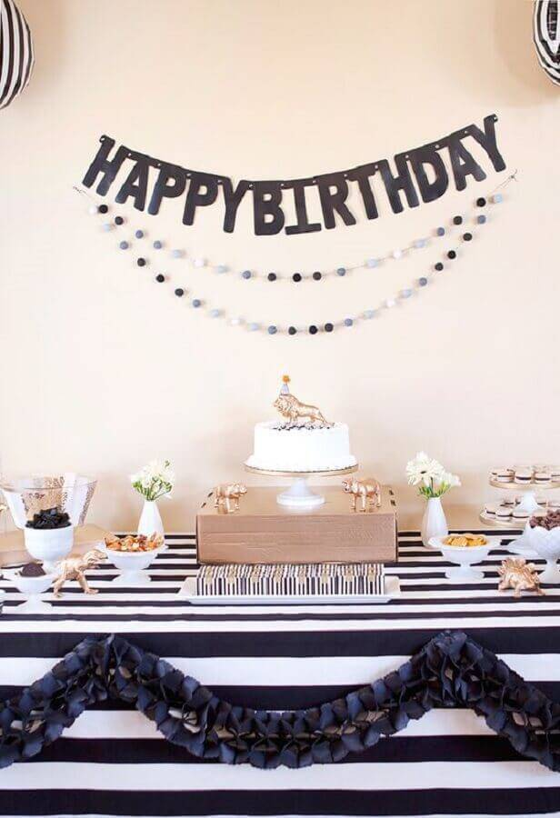simple decoration for surprise birthday party Foto Armelle Blog