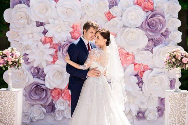 Decoração com flores gigantes em casamentos
