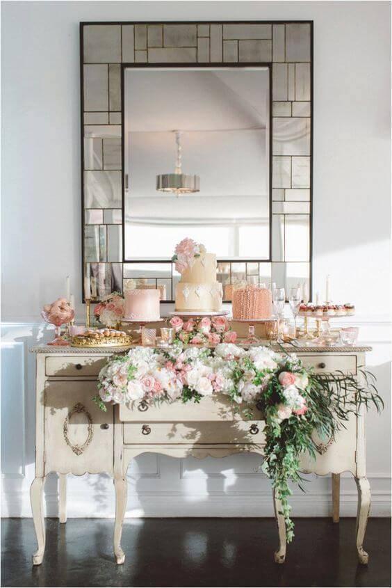 Decoração com flores brancas e cor rosa