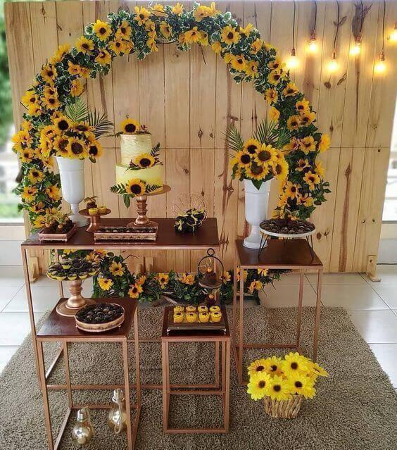 Decoração com flores girassois