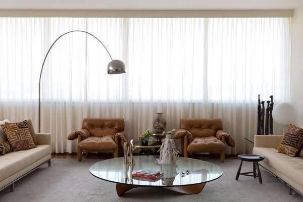 Decoração de sala de estar com luminária