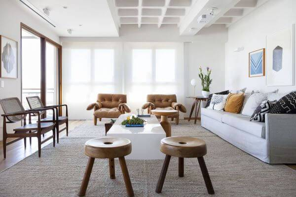 Sala de estar com 2 poltronas moles