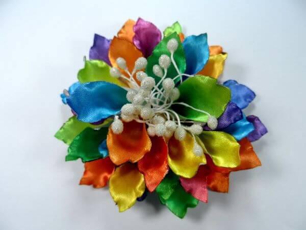 como fazer flor de fita de cetim