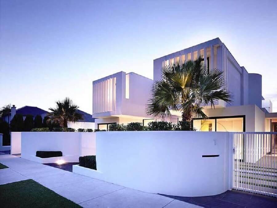 fachada de casas lindas e modernas toda branca Foto Architizer