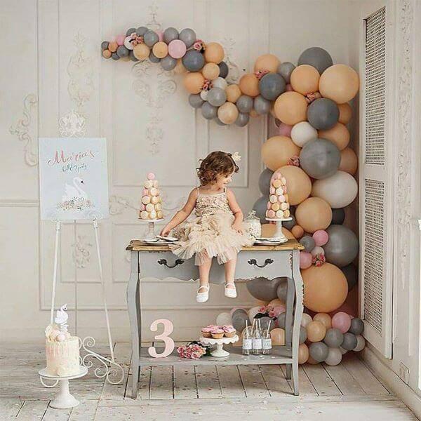 Festa de aniversário em casa com balões