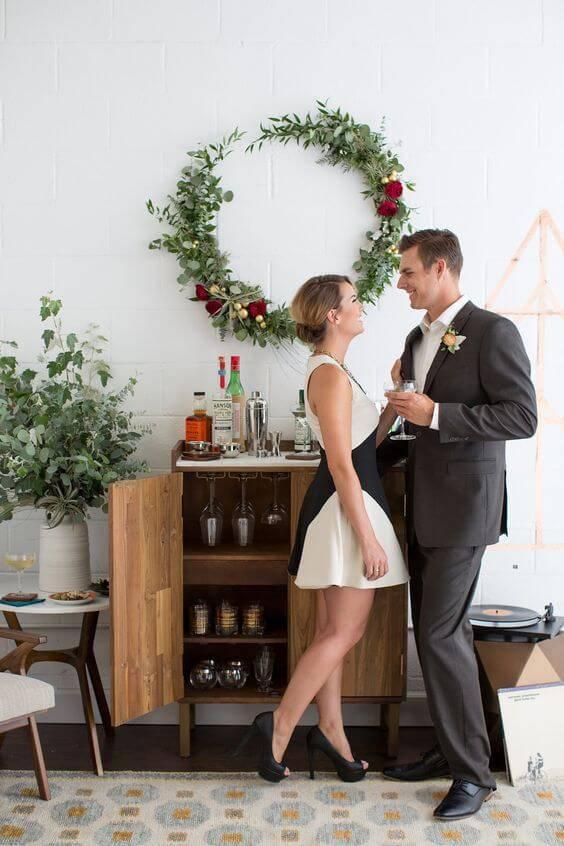 Festa de casamento em casa com espaço para bar