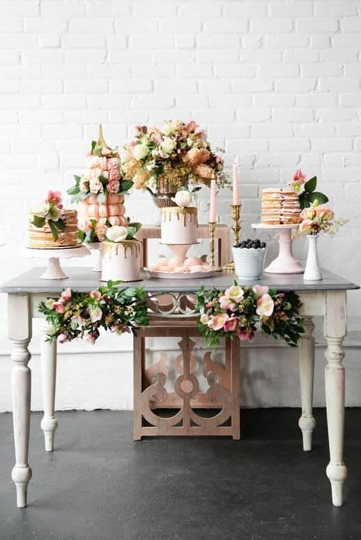 Festa em casa decorada para um casamento