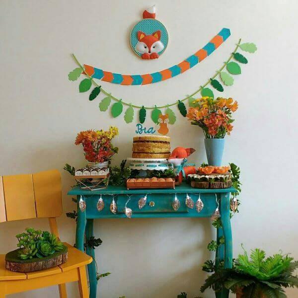 Festa em casa com azul e laranja