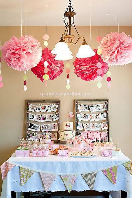 Festa em casa com decoração aérea cor de rosa