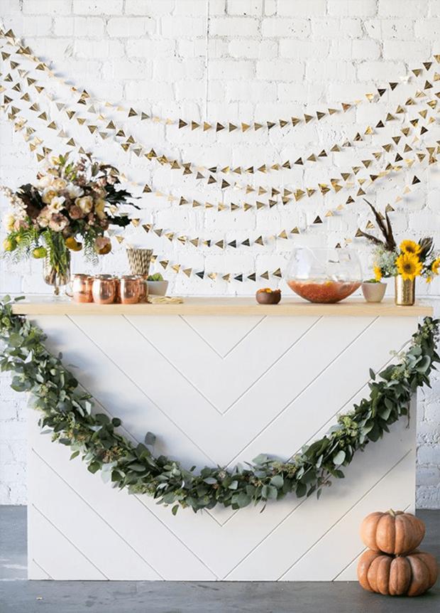 Festa em casa com decoração minimalista