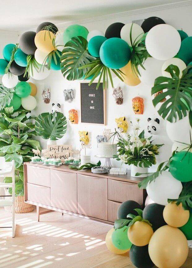 Decoração de festa em casa estilo tropical